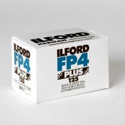 Carrete Ilford de 35mm negativo, en blanco y negro de 125 iso a la venta en tienda El Miracle de Valencia.