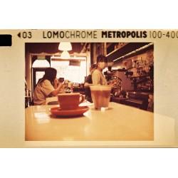 Carrete Metrópolis de 110mm ISO 100-400 de Lomography 24 exposiciones Tienda fotografia Valencia.